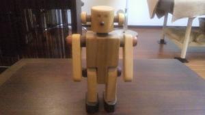 木のロボット
