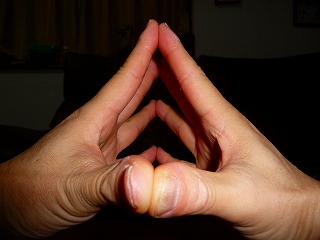 指ストレッチ1