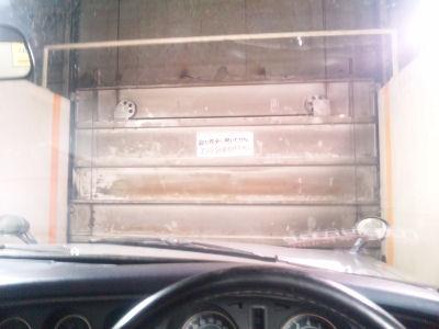 ルーチェのインパネとカーリフトの扉