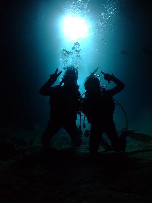 青の洞窟内で♪