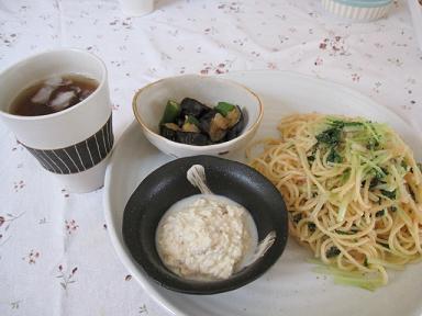 明太子と水菜のパスタ、豆腐の梅和え、ナスの煮びたし(でメニュー合ってるでしょうか?)
