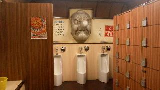 男性トイレ・・・ロッカー付き!