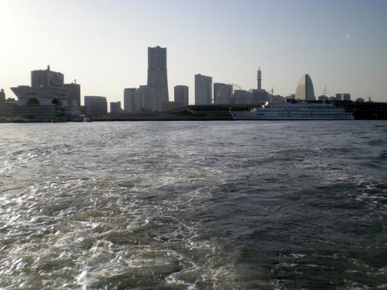 横浜港 (240)