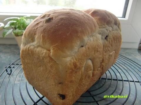 レーズンオレンジ食パン