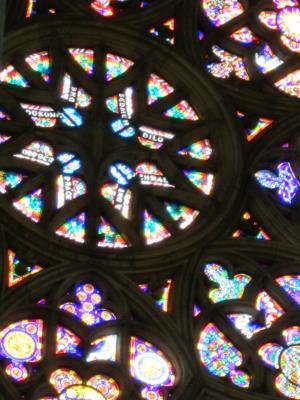 チェコ プラハ ヴォールト天井とステンドグラス