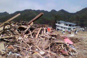 震災3か月の根浜海岸