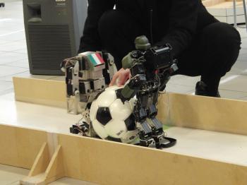 robot遶カ謚?螟ァ莨喨n豕墓帆竭。_convert_20111223170826