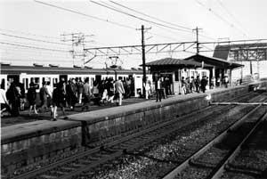 朝の幸田駅