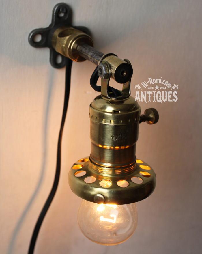 角度調整ギャラリー付真鍮工業系壁掛ライト/アンティークランプ 2011/03/14