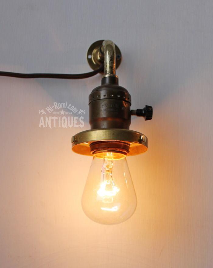 工業系ギャラリー付真鍮壁掛ソケットライトB/アンティークランプ 2011/03/14
