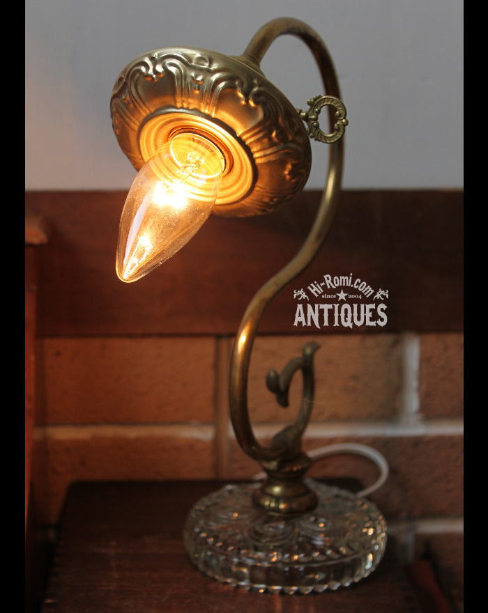 鍵真鍮ガラステーブルランプ花フレーム/アンティーク卓上ライト 2011/03/14
