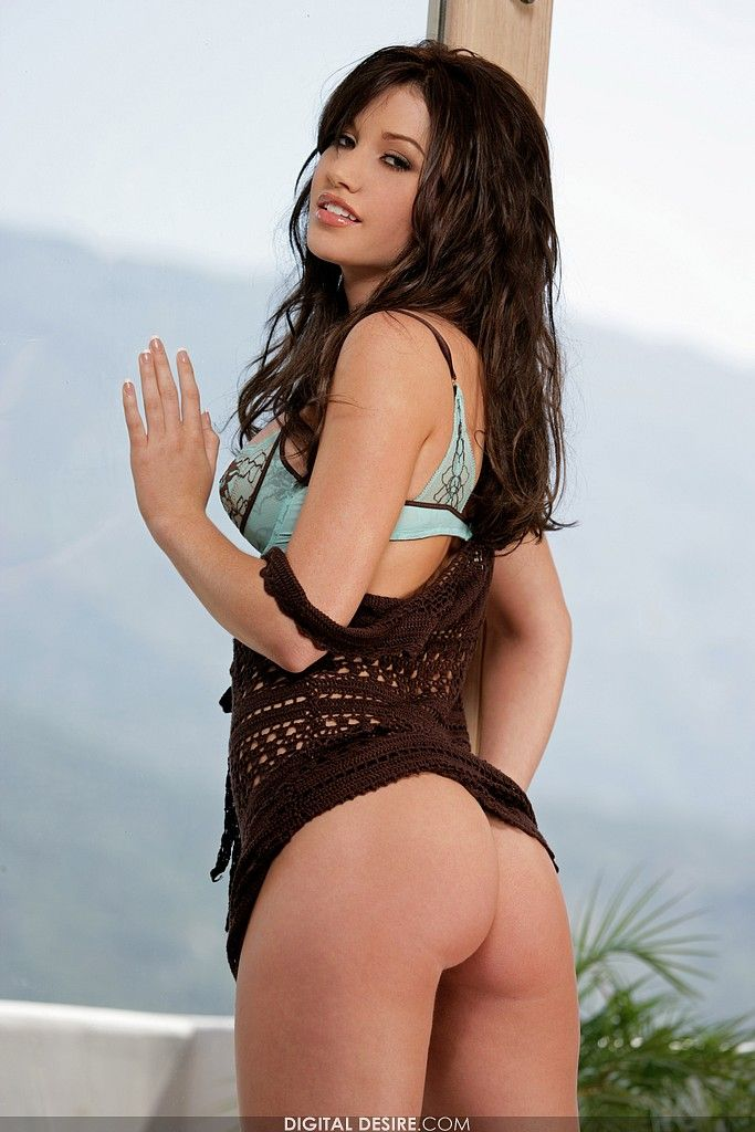 Veronica Saint 01
