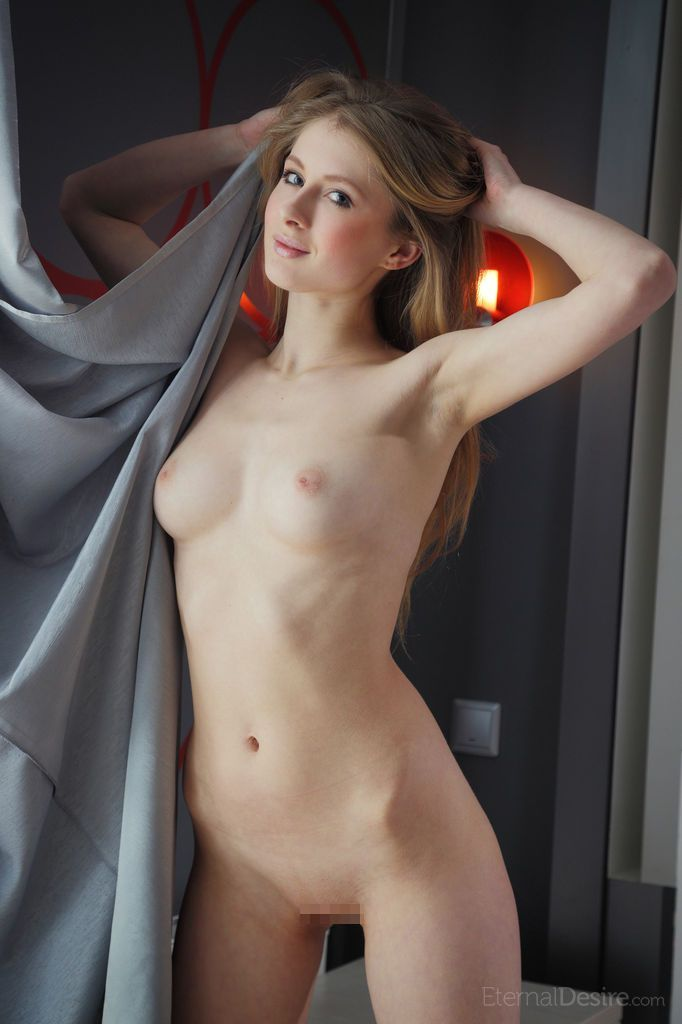Daisy A - ENCANTO 02