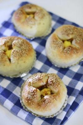 惣菜パン用生地で作った切り干し大根パン2