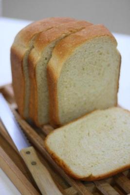 国産小麦と豆乳の早焼き食パン1