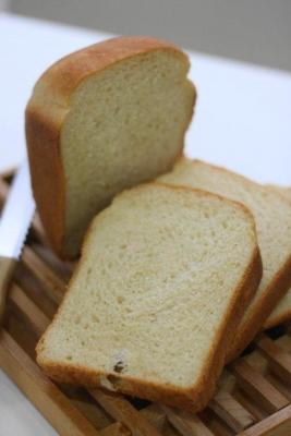 国産小麦と豆乳の早焼き食パン4