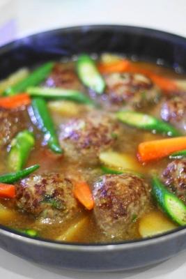 野菜たっぷり和風煮込みハンバーグ1