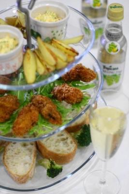 牡蠣フライと水菜のタルタルソースでタルティーヌ1