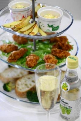 牡蠣フライと水菜のタルタルソースでタルティーヌ2