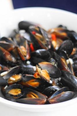ムール貝の白ワイン蒸し