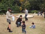 101114 _どんぐり(しゃぼん玉)