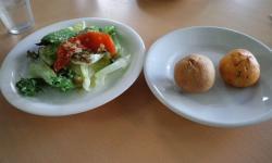ビストロJ・サラダ、パン