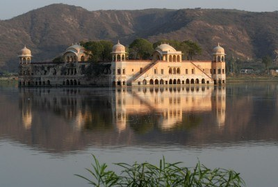 2782931-water-palace-jaipur-india-water-with-reflections.jpg