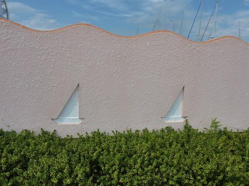 ヨットの塀
