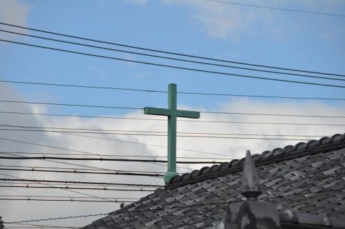 電線と十字架