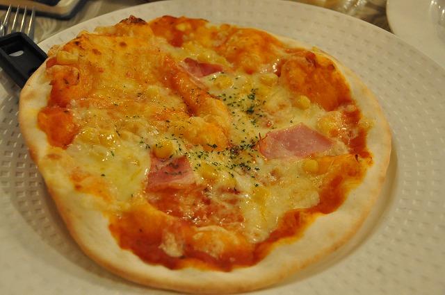 DSC_1979 ベーコン&コーンのピザ