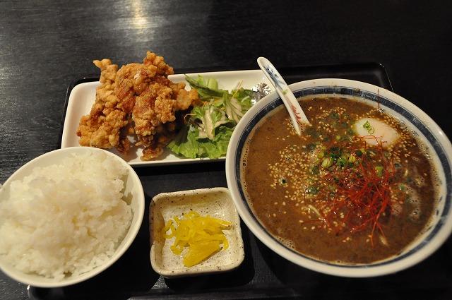 DSC_1362 白黒ごまタンメン 700円+唐揚げセット350円 御飯大盛り無料