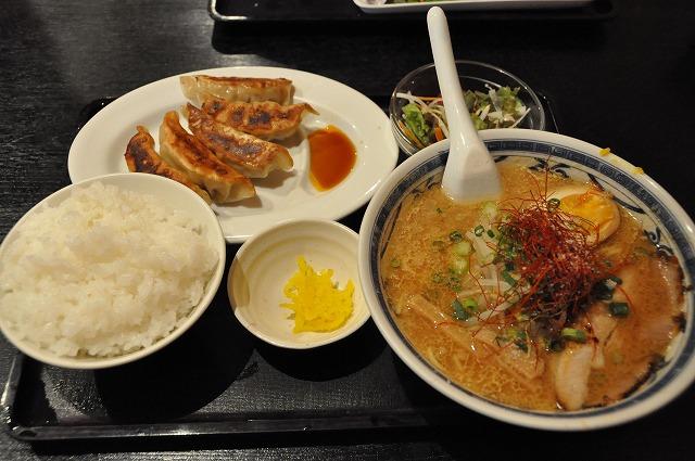 DSC_1390 新・味噌Ⅱ 700円+餃子セット350円 御飯大盛り無料