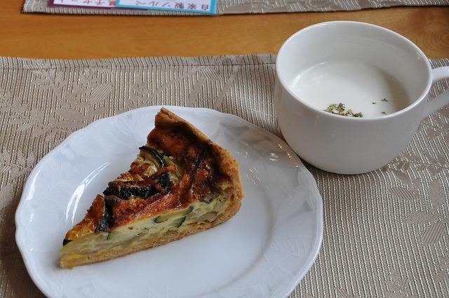 DSC_1692 野菜のキッシュとジャガイモの冷製スープ