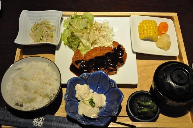 DSC_0097 味噌カツ定食 810円
