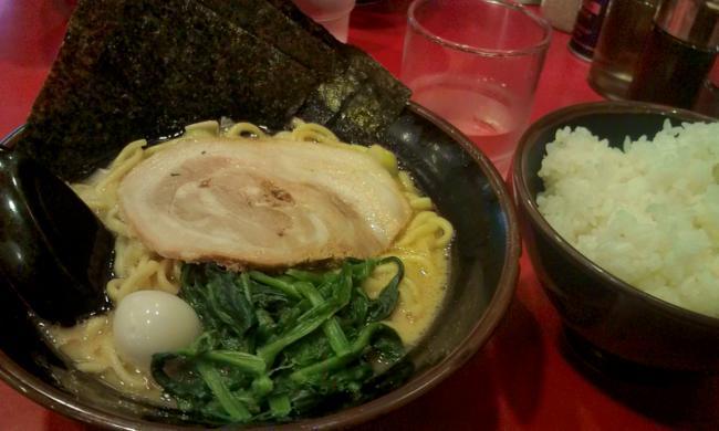20101114_横浜家系ラーメン大和家八王子店-004