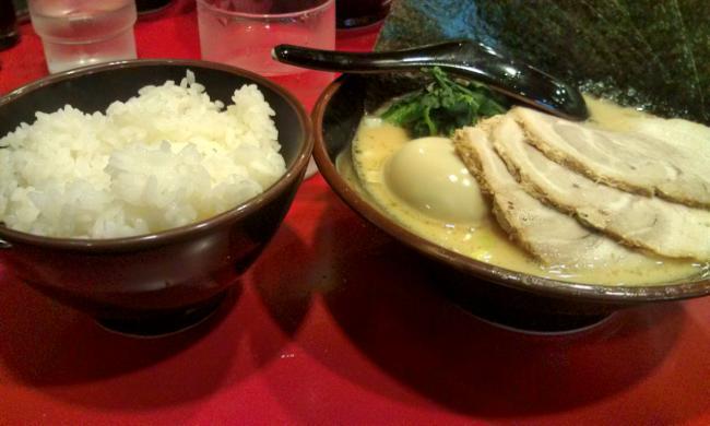20101114_横浜家系ラーメン大和家八王子店-003