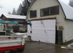 作業場の雪囲い