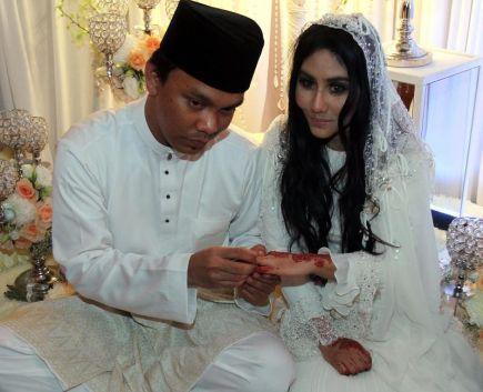 Pernikahan EllaAzhar
