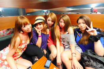 110702 POP LOUNGE SNAP_021(b)