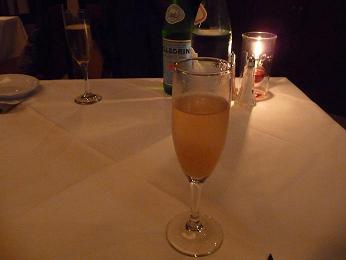 シャンパンのカクテル