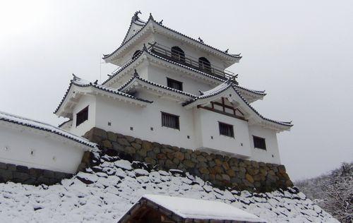 雪の白石城1