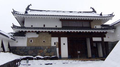 雪の白石城4大手門