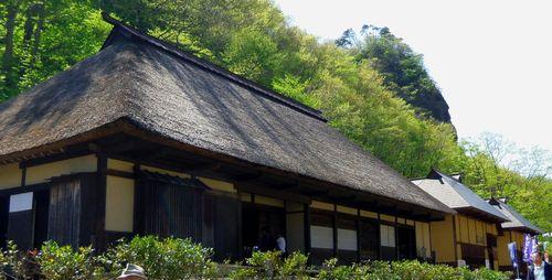 白石材木岩5茅葺き住宅
