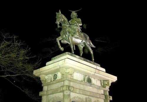 仙台青葉城夜景5伊達政宗騎馬像