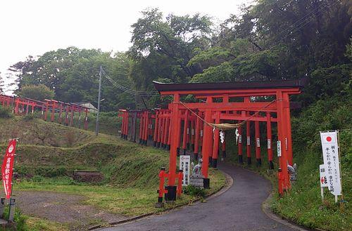 高屋敷稲荷神社3参道
