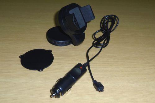 スマホ車載ホルダー充電器4