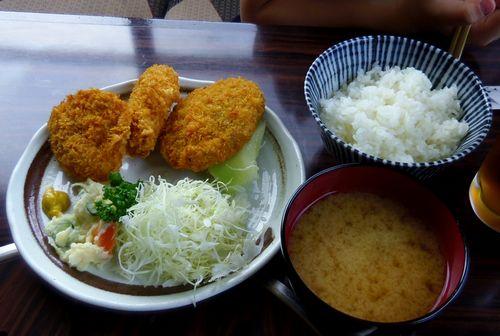 米沢ミートピア9メンチとコロッケ定食