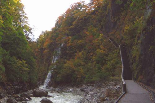 小安峡大噴湯10散策路渓谷