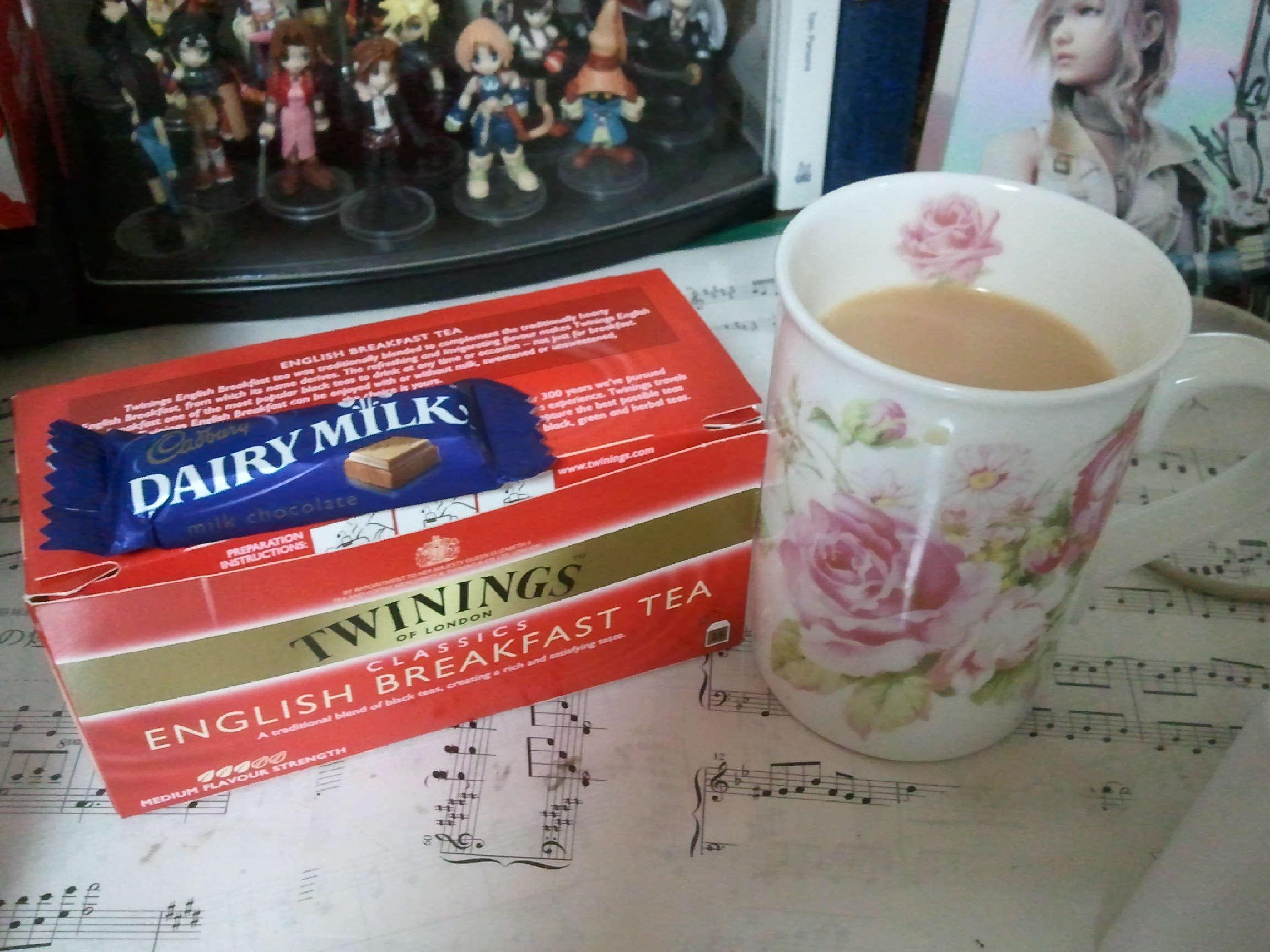 紅茶とミルクとチョコと