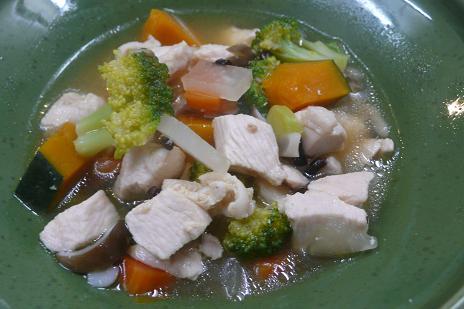 鶏むね肉と彩り野菜の味噌スープ煮